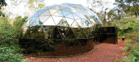 Instalações artísticas a céu aberto no Inhotim
