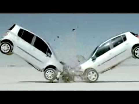 Propaganda com crash tests da Renault