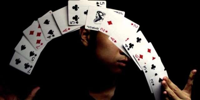 5 truques de cartas de baralho fáceis de fazer